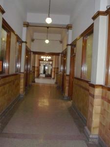 stock-exchange-hall